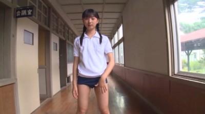 伊藤万里菜 君との恋は5センチメートル